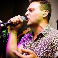 """Ricardo """"Tunacola"""" Luna, compositor y productor"""