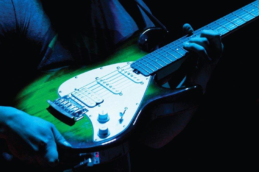 09oct-guitarraElect-04