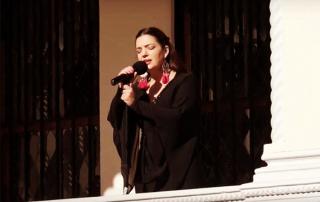 Docente-de-Canto-Popular-fue-invitada-a-interpretar-Himno-Nacional-en-importante-ceremonia-municipal-de-Viña-del-Mar